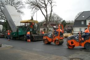 Asphaltarbeiten bei Lidl-Bisbingen