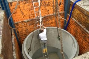 Gleitschienenschachtverbau 4,0 m x 4,0 m Tiefe bis 5,0 m